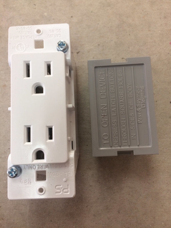 Self Contained Wall Receptacle Pass & Seymour White